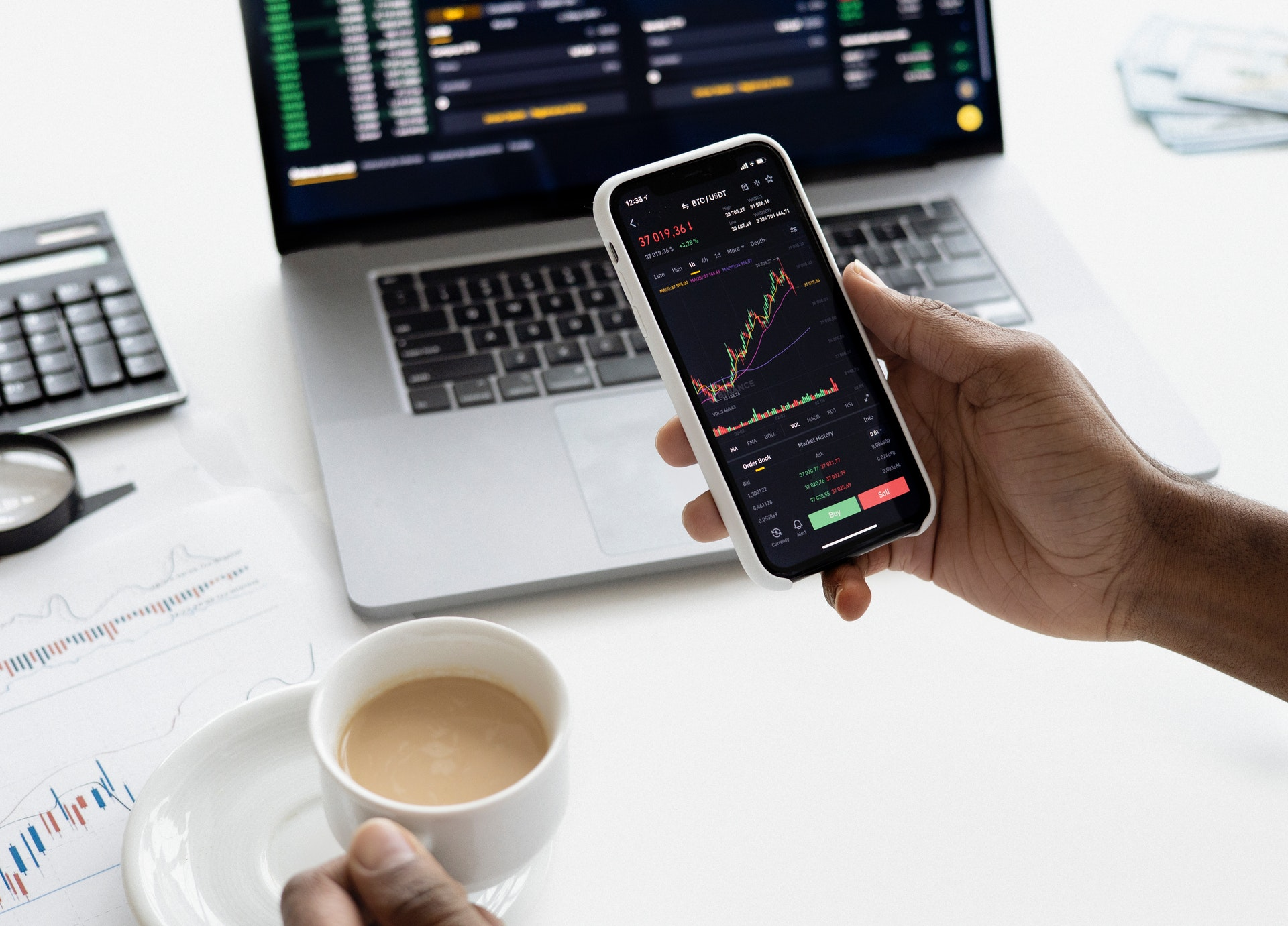 Featured image for How to Build a Trading App Like Ticker Tocker?