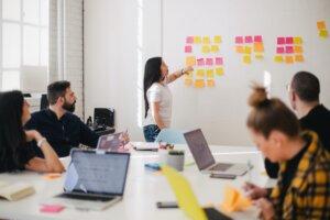 Как Создать Систему Управления Человеческими Ресурсами?