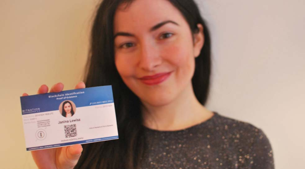 Janina Lowisz with blockchain ID